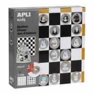 APLI 14135. Juego de ajedrez ilustrado